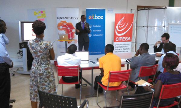A team preesents to the panel during the OpenNet Africa Challenge